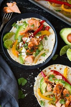 Sheet+Pan+Salmon+and+Avocado+Fajitas
