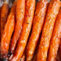 Geröstete Karotten mit Honig und Thymian - Elle Mijote Quelque Chose - Emma Home Quelque Chose, Carrots, Four, Vegetables, Cooking, Ethnic Recipes, Bacon, Parmesan, Fondant