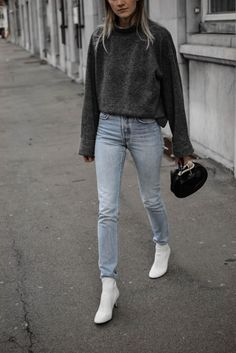 Minimal way to wear white boots – Katiquette Minimal way to wear white boots Jeans Outfit Winter, Winter Boots Outfits, Fall Outfits, Summer Outfits, Fashion Outfits, Cute Casual Outfits, Summer Boots Outfit, White Ankle Boots, Booties Outfit