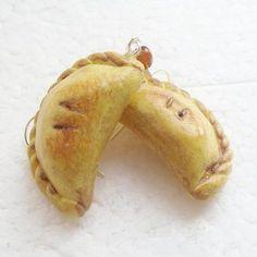 by GiraffesKiss on Etsy Cornish Pasties, Miniature Food, Polymer Clay, Snacks, Cornwall, Earrings, September, Jewellery, Facebook