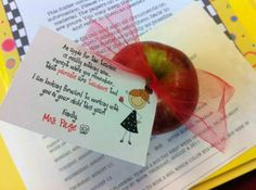 Print on cardstock, cut apart, and attach to an apple for an adorable way to welcome parents at back to school night! Key Words: Tag, Favor, Fr...