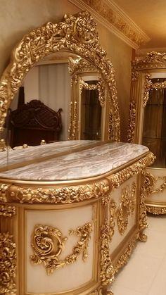 Royal Furniture, Home Decor Furniture, Victorian Furniture, Luxury Furniture, Home Furnishings, Furniture Design, Luxury Bedroom Design, Home Room Design, Master Bedroom Design