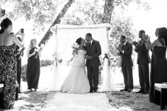 Romantic Destination Wedding in Costa Rica from A Brit & A Blonde: Michelle + Marcus - Munaluchi Bridal Magazine