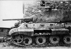 Very damaged german King Tiger tank, WWII