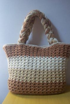 Discover thousands of images about Crochet! Free Crochet Bag, Crochet Diy, Crochet Shoes, Tunisian Crochet, Crochet Gifts, Crochet Handbags, Crochet Purses, Pinterest Crochet, Crochet Sunflower