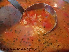 Cheeseburger Chowder, Salsa, Ethnic Recipes, Food, Pearl Barley, Bon Appetit, Cooking Recipes, Essen, Salsa Music