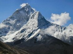 Everest in Nepal - now I'm not saying I'm crazy enough to climb it, I'd just like to visit the base camp so I could say I've been on the king of all mountains You Are The World, Wonders Of The World, Table Mountain, Forest Park, Places Around The World, Natural Wonders, World Heritage Sites, Mount Everest, National Parks
