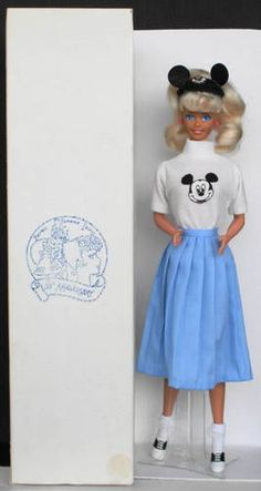 Rare 1989 CONVENTION BARBIE MOUSKETEER 30th Anniversary Disney 312/ 500