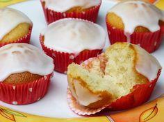 Vegane Zitronen Muffins aus Dinkelmehl - ohne Bindemittel, Soja und Margarine. Schnell gemacht und überzeugen auch Nicht-Veganer und Kinder!