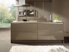 SieMatic, one of the world's leading high-end kitchen furnishings manufacturers, received five awards for its SieMatic kitchen design in the Gray Kitchen Backsplash, Emma's Kitchen, Grey Kitchen Cabinets, Kitchen And Bath, Kitchen Interior, Kitchen Decor, Kitchen Island, Kitchen Without Handles, Grey Kitchen Inspiration