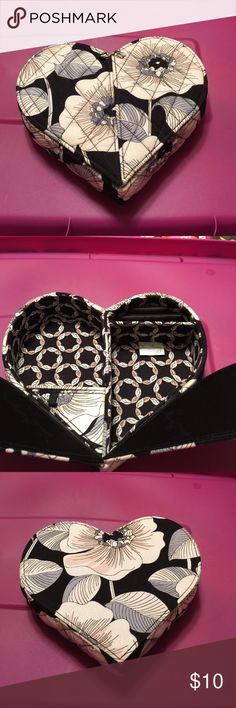 Vera Bradley heart jewelry box camellia NWOT Jewelry box opens with 2 pull tabs. Inside 2 open compartments, one pull tab small compartment, small compartment for rings. Vera Bradley Accessories