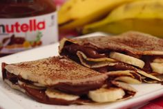 Essa receita deliciosa de Crepe de Nutella com Banana do Panelaterapia é super fácil de fazer. A massa usada serve para crepes doces, salgados ou panquecas.