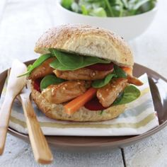 Sweet and sour sesame chicken burgers - Healthy Food Guide Healthy Food Choices, Healthy Eating Recipes, Healthy Foods, Chicken Burgers Healthy, Honey And Soy Sauce, Sweet N Sour Chicken, Asian Recipes, Ethnic Recipes, Sesame Chicken