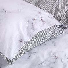 Luxury Bedding Sets For Less Refferal: 3302433376 White Duvet Cover Queen, White Duvet Covers, Luxury Duvet Covers, Bed Duvet Covers, Luxury Bedding Sets, Duvet Cover Sets, Modern Bedding, Red Bedding, Queen Bedding Sets