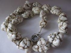 WHITE TURQUOISE aka HOWLITE Chunky Bead Necklace/ Vintage/ Chunky Beads/ Winter Whites/ Resort Ready Whites/ Southwestern Style Jewelry on Etsy, $58.00