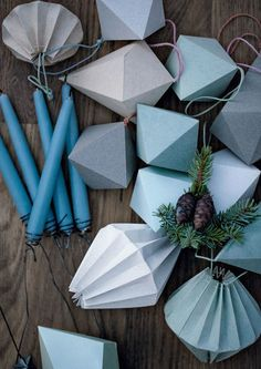 Make your own decorative paper Christmas ornaments for your Christmas tree and Christmas decorations.