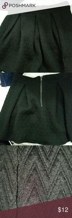 Bethany Mota pleated skirt size S/P Black and zippers in back very cute Bethany Mota Skirts