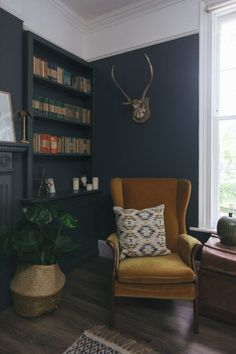 A Dark And Cosy Snug Painted In Farrow And Ball Down Pipe - Alcove Shelving With Classic Penguin Books And Eba Dark Living Rooms, Living Room Kitchen, My Living Room, Living Room Interior, Home Interior Design, Home And Living, Interior Styling, Living Room Decor Uk, Small Living
