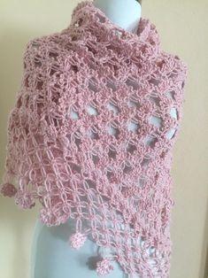 Mantón de ganchillo chal rosa envoltura nupcial bolero de   Etsy Crochet Prayer Shawls, Crochet Shawls And Wraps, Crochet Scarves, Crochet Clothes, Crochet Lace, Bolero Crochet, Crochet Style, Pink Shawl, Bridal Cover Up