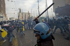 Demostrators and police forces clash during a student rally in central Naples, Italy. Naples Italy, Rally, Revolution, Cool Pictures, Police, Student, Good Things, Photography, Napoli Italy