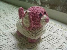 It is a website for handmade creations,with free patterns for croshet and knitting , in many techniques & designs. Knitted Animals, Knitted Hats, Crochet For Kids, Crochet Toys, String Art Tutorials, Crochet Carpet, Ribbon Design, Photo Tutorial, Crochet Accessories
