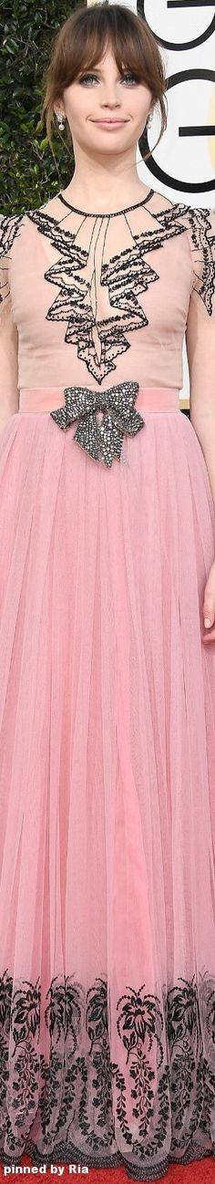 Felicity Jones in Gucci l The 2017 Golden Globe Awards l Ria