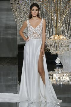 Pronovias showed their latest wedding dresses at Bridal Fashion Week. See Pronovias' 2018 wedding dresses here 2018 Wedding Dresses Trends, Sexy Wedding Dresses, Bridal Dresses, Pronovias Wedding Dress, Couture Wedding Gowns, Bridal Collection, Dress Collection, Unique Wedding Hairstyles, Sexy Gown