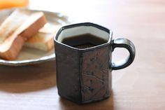 黒釉 六角マグカップ