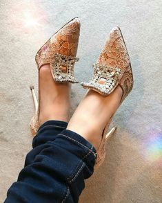 Pretty in Pink …love these shoes. Pretty in Pink …love these shoes. Fab Shoes, Crazy Shoes, Cute Shoes, Me Too Shoes, Shoes Heels, Lace Heels, Pretty Shoes, Shoe Boots, Ankle Boots