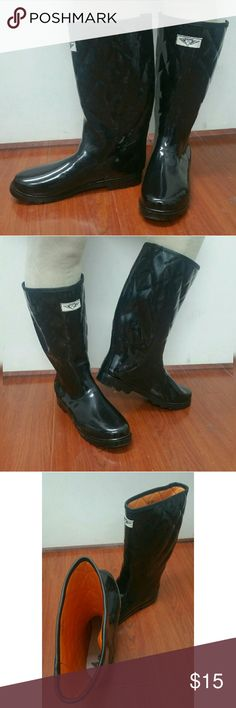 """Women Knee-high Quilted Rainboots #1411 Black Very lightly used glossy quilted rain boots by Forever Young. These are taller than galoshes and protect your feet better while you garden or just walk in the fall or winter rain. Soft orange quilted material on the inside for extra warmth. Easy to clean, removable sole. May have minor cosmetic scuffs. Approx 14"""" tall, approx 15"""" in calf circumference. Not made for wide calves. A true staple in ladies shoes fashion! Forever Young  Shoes Winter…"""