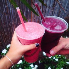 Free your Wild :: Hydrate Yo Self :: Delicious Smoothies :: Fruit & Vegetable Juicing :: Recipes for Health :: Detox + Diet juices :: See more Untamed Hydration Inspiration I Love Food, Good Food, Yummy Food, Tasty, Granola, Tumblr Food, Yummy Drinks, Starbucks, Cravings