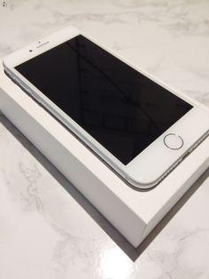 Eladóvá vált szeretett IPhone 7 készülékem! Novemberben vásároltam, független, 128 GB és silver. Teljesen hibátlan minden tartozékával adom. Tokban volt tartva és a kijelzőn kibontás óta 3D üvegfólia van, ezenkívül van rá még fél év teljeskörű Apple, illetve 1 év forgalmazói garancia. A kijelző és a hátlap is karcmentes ( az Apple logo is ). Ha bármi kérdésed van írj nyugodtan! Csere nem érdekel!