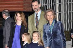 LAS INFANTAS LEONOR Y SOFÍA VISITAN AL #REY      http://www.europapress.es/chance/gente/noticia-infantas-leonor-sofia-visitan-rey-20130307100337.html