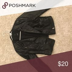 black leather jacket worn a few times but still in great condition! Forever 21 Jackets & Coats Utility Jackets