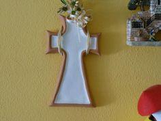 Croce in terracotta fatta in occasione della prima comunione di mio figlio , come bomboniera