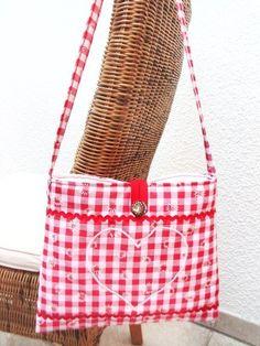 Handtasche    Umhängetasche    Schultertasche    ♥♥♥♥♥    super schöner Hingucker im bayrischen Styl    ♥♥♥♥♥    beide Seiten sind gleich    mit Kn...