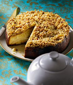 A sumptuous dinner party winner from the new Tate & Lyle Golden & Brown Sugar 30 Best Loved Recipes book. Any favourites are transformed into delicious dishes that you will want to make time a Big Cakes, Sweet Cakes, Apple Recipes, Cake Recipes, Bake My Cake, Torte Cake, Yogurt Cake, Sweet Pastries, Cake Tasting
