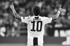 Wisconsin, Soccer Players, Champions League, Black And White, Instagram, Cute, Damier, Baphomet, Paradis