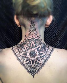 Tattoo Nape, Tattoo Son, Sternum Tattoo, Neck Tattoo For Guys, Back Of Neck Tattoo, Tattoos For Guys, Tattoos For Women, Upper Back Tattoos, Mandala Tattoo Back