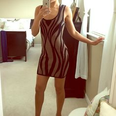 Forever 21 bodycon dress Extremely flattering and fits to a tee! Easy to slip on and zip up and a pattern you won't find anywhere else! Forever 21 Dresses Mini