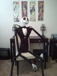 DIY Nightmare Before Christmas Halloween Props: Life-Size DIY Jack Skellington Prop. Halloween and Christmas? Costume Halloween, Halloween Make, Holidays Halloween, Halloween Decorations, Lawn Decorations, Samhain Halloween, Haunted Halloween, Halloween 2015, Disney Halloween