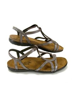 Best walking shoes for summer. Great for traveling