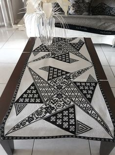 Cross Stitch Embroidery, Cross Stitch Patterns, Knitting Stitches, Blackwork, Embroidery Designs, Sewing Patterns, Rugs, Home Decor, Farmhouse Rugs