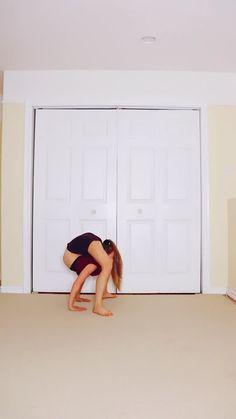 Rhythmic Gymnastics Training, Gymnastics Stretches, Anna Mcnulty, Sofie Dossi, Flexibility Dance, Dance Photography Poses, Contortionist, Dance Photos, Acro