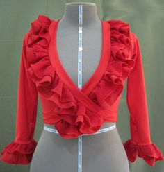 Blouse Neck Designs, Blouse Styles, Girl Fashion, Fashion Outfits, Fashion Design, Flamenco Costume, Spanish Dress, Types Of Coats, Dance Outfits