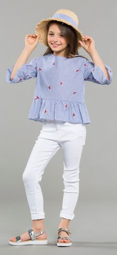 ALICE PI  SS 2018 Junior Fashion, Tween Fashion, Outfits Niños, Kids Outfits, Girls Party Dress, Baby Dress, Little Girl Dresses, Girls Dresses, Girl Fashion Style