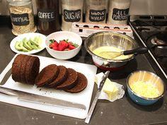 Make Homemade Boston Brown Bread in a Coffee Can >> http://blog.diynetwork.com/maderemade/2014/02/05/valentines-breakfast-diy-boston-brown-bread/?soc=pinterest