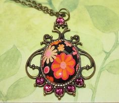 Vintage meets Retro Glass Pendant Necklace