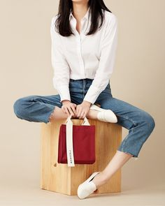 RICKY MINI JESTER RED #MARHENJ #마르헨제이 #CANVASBAG #캔버스백 #RICKYMINI #리키미니 #VEGANBAG #비건백 #VEGANBRAND #비건브랜드 #캔버스백추천 #연예인가방 Party Fashion, Fashion Bags, Fashion Outfits, Poses, J Bag, Sparkle Outfit, Big Tote Bags, Photography Bags, Diy Bags Purses