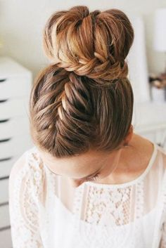 French braid hairstyles are very trendy and fashionable. In different hairstyles, it is best to choose a hairstyle suitable for hair texture and length. French braid hairstyles are also the eternal classic hairstyle, French Braid Hairstyles, Box Braids Hairstyles, Cool Hairstyles, French Braids, Pixie Hairstyles, Beautiful Hairstyles, Straight Hairstyles, Ladies Hairstyles, Wedge Hairstyles